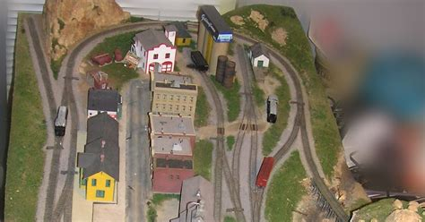 layout artist pay scale model railroading in 4 x 8 feet 2x4 the n scale 4x8