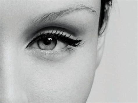Eyeliner Dan Eyeshadow demi bisa jauh jauh dari si mata panda 8 cara mudah ini