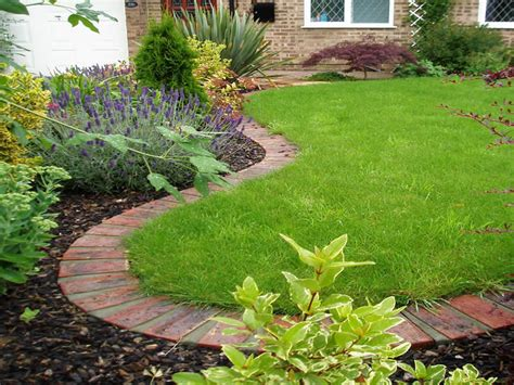 Ideas For Lawn Edging Lawn Edging Garden Edging Ideas