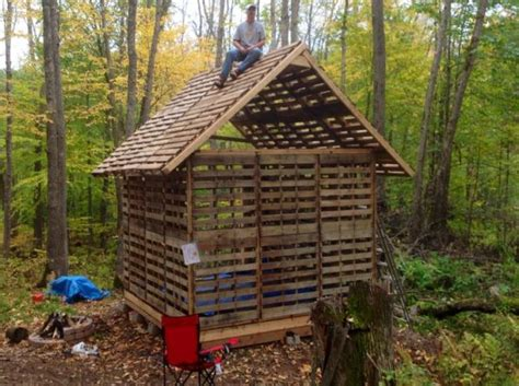 Lake House Plans tiny cabin built using recycled pallets