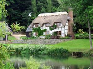 cottages in new forest friendly undercastle cottage a 4 thatched new forest cottage