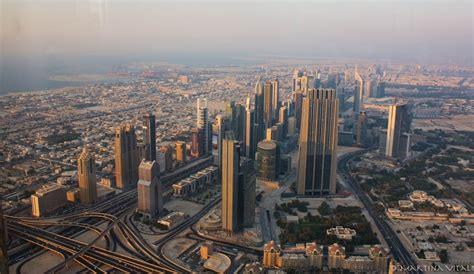 turisti per caso dubai panoramica dal burj khalifa dubai viaggi vacanze e