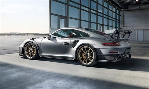 porsche 911 world porsche 911 gt2 rs destroys the n 252 rburgring world record