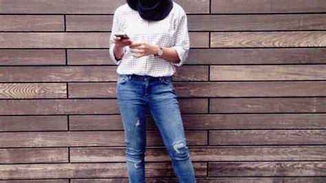 Celana Putih Cewek Wanita celana putih sobek cewek update daftar harga terbaru