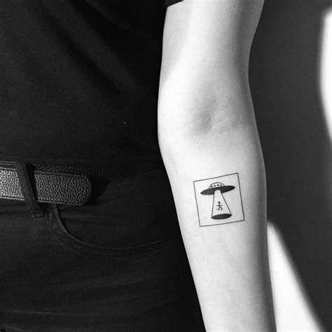 simple ufo tattoo simple ufo tattoo www imgkid com the image kid has it