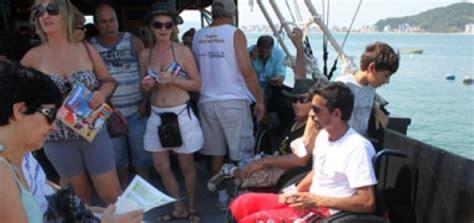 barco pirata itapema barco pirata de itapema recebe acessibilidade afinal at 233