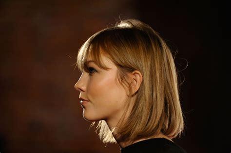 karlie kloss short hair more pics of karlie kloss short straight cut 17 of 19