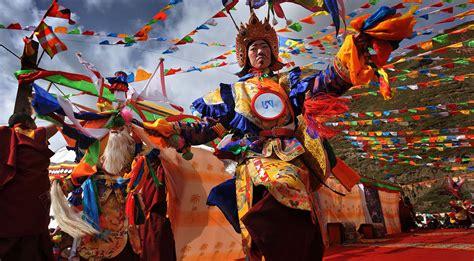 local audiences enjoy new year tibetan drama shows tibet