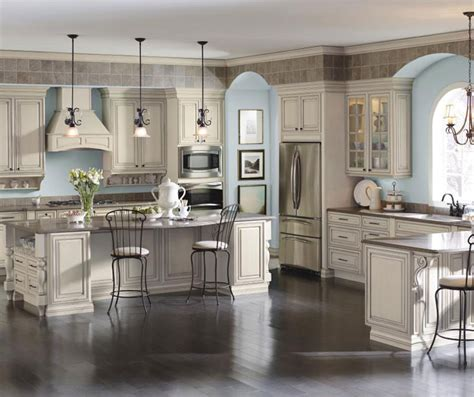 cream glazed kitchen cabinets cream cabinets with glaze diamond cabinetry
