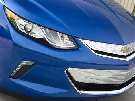 chevrolet all electric car why can t other in hybrids copy chevy volt s all