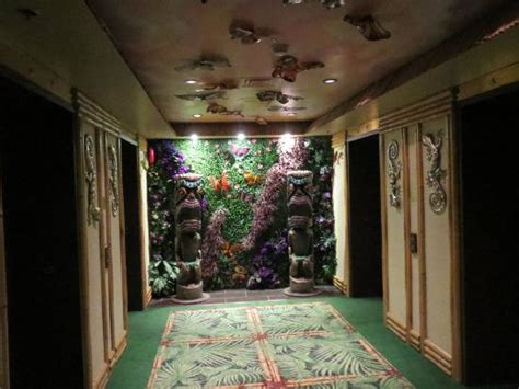 themed hotel rooms in calgary modern polynesian elevator lobby picture of fantasyland