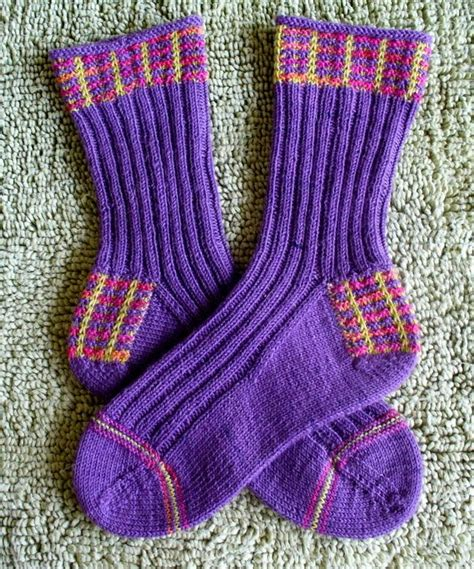 turkish knitting patterns explanation for sock and pouch using turkish cast on