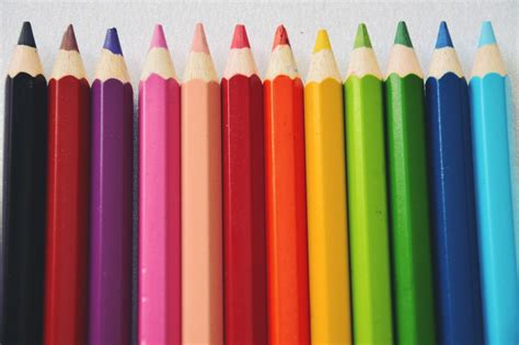 best color pencils a guide to choosing the best colored pencils