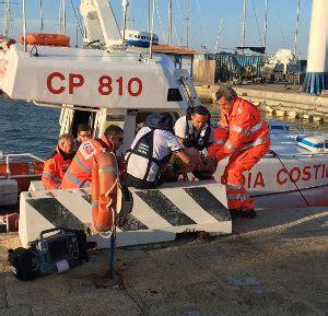 nautico porto torres bagnanti in difficolt 224 salvati dalla guardia costiera