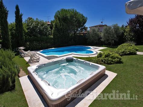 giardini con piscina immagini di piscina service giardini snc guidagiardini it