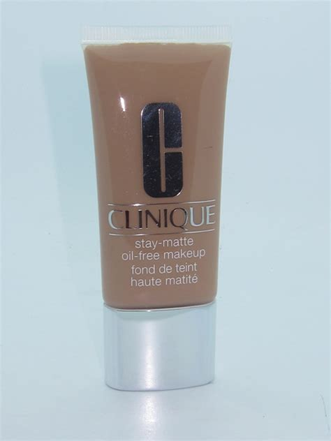 Clinique Stay Matte Foundation clinique stay matte free makeup review and swatches