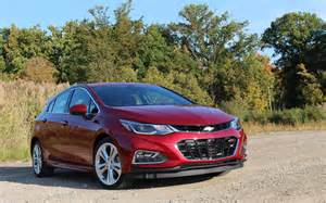 2017 chevrolet cruze premier hatch picture gallery