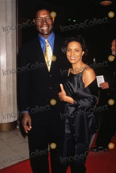 dennis haysbert wife elena simms photos and pictures dennis haysbert with wife lynn
