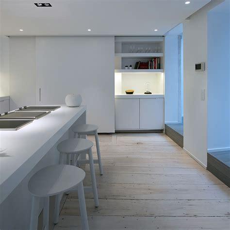 Home Decoration Articles by Cuisine Blanche Avec Parquet Clair