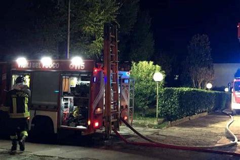 casa famiglia salerno salerno una famiglia sterminata tra le fiamme della loro casa