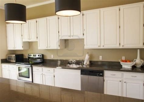 what paint should i use to paint kitchen cabinets what of paint should i use to paint oak kitchen cabinets