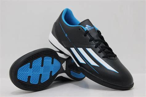 Sepatu Futsal Adidas X16 Hitam Putih List Merah Grade Ori adidas classic futsal