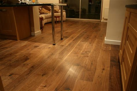 carpet laminate or wood flooring