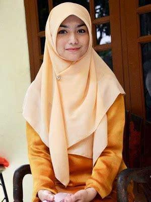 tutorial hijab citra kirana gaya jilbab sederhana ala artis citra kirana