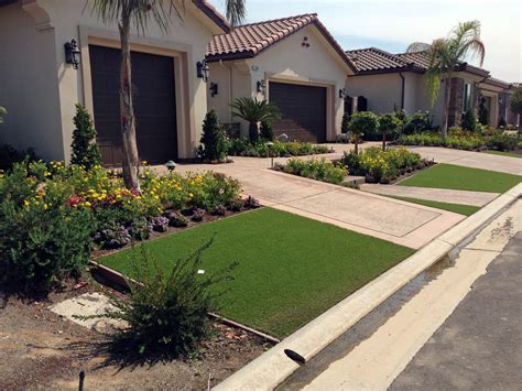 desert landscaping ideas with artificial turf grass
