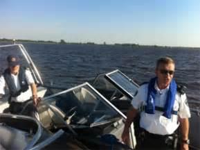 boten kootstertille politie jaagt op snelle boten op meer