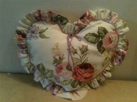 cuscini a forma di cuore cuscino a forma di cuore per la casa e per te decorare