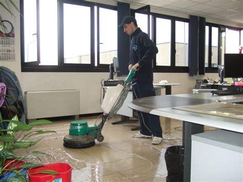 pulizia ufficio pulizia uffici e aziende tulipano impresa di pulizie