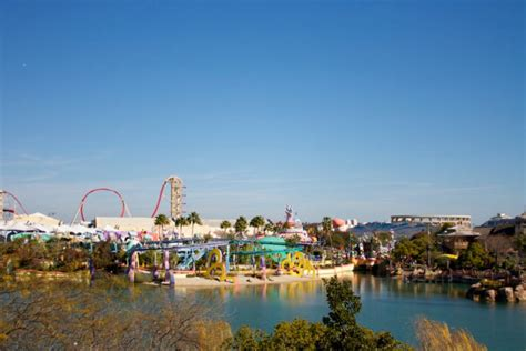 florida theme parks roadtripper s guide to florida theme parks the travel guide