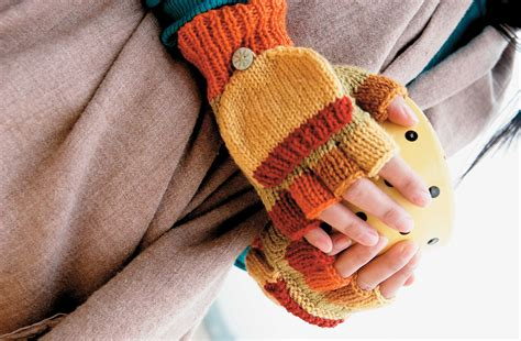 free fingerless gloves knitting pattern uk free knitted fingerless gloves pattern magic mittens
