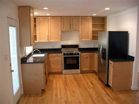 Kitchen: Modern Decor Kitchen Sets with Simple Accessories Design Ideas Kitchen Wall Decorations