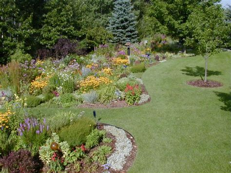 Ideas For Flower Beds by Garden Flower Bed Ideas Home And Garden Design
