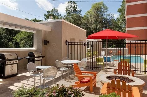 Backyard Bbq Gainesville Fl Home2suites By Gainesville Deals Reviews