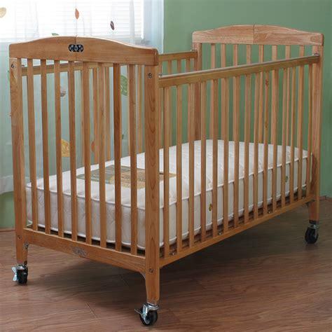 Ay Crib Free by 85 Folding Crib Maki Folding Crib Reviews Foundations Hideaway Sized Antique