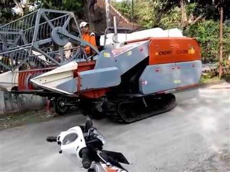 Mesin Panen Padi crown combine harvester mesin panen padi