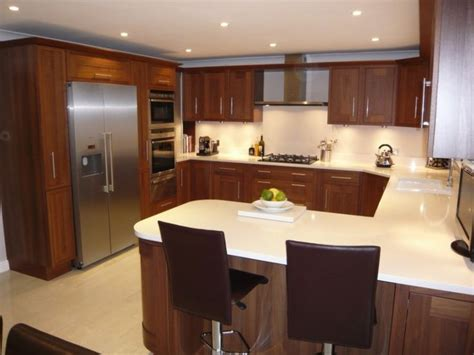 u shaped kitchen cabinets 91 best images about u shaped kitchens on pinterest small kitchens cabinets and traditional