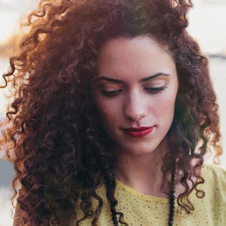 cortes para cabello ondulado y cara ovalada cara redonda cabello rizado