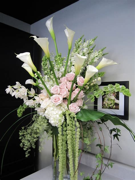 How To Arrange Lilies In A Vase by Flower Arranging In A 12 Quot Vase Cylinder Vases The Overall Height Was About 5