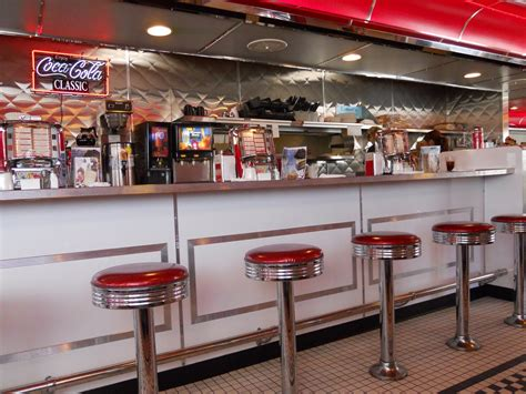 fifties home decor 50s diner wallpaper wallpapersafari