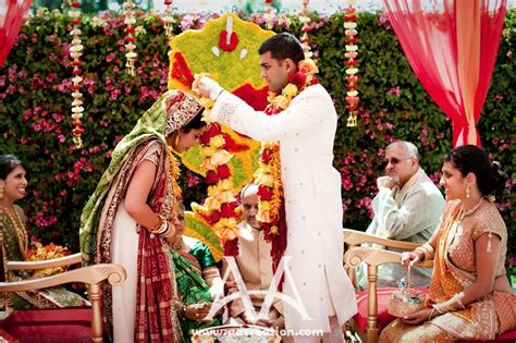 Wedding Ceremony Hindu by Varmala Ceremony Wedneeds