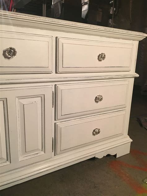 White Chalk Paint Dresser by 20 Year Broyhill Oak Dresser Painted With Black Chalk