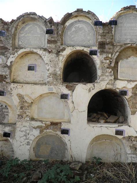 sepulcros blanqueados march 2011