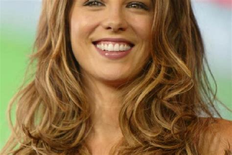 light caramel brown hair color light brown hair color caramel highlights hairstyles ideas