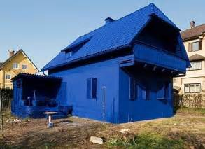 blue houses improve the quality of blue da ba dee lyrics by leaving