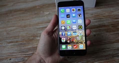 vous h 233 sitez entre l iphone 6 et l iphone 6 plus presse citron