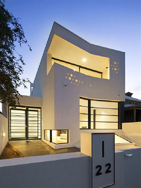 avant garde modern homes two contemporary